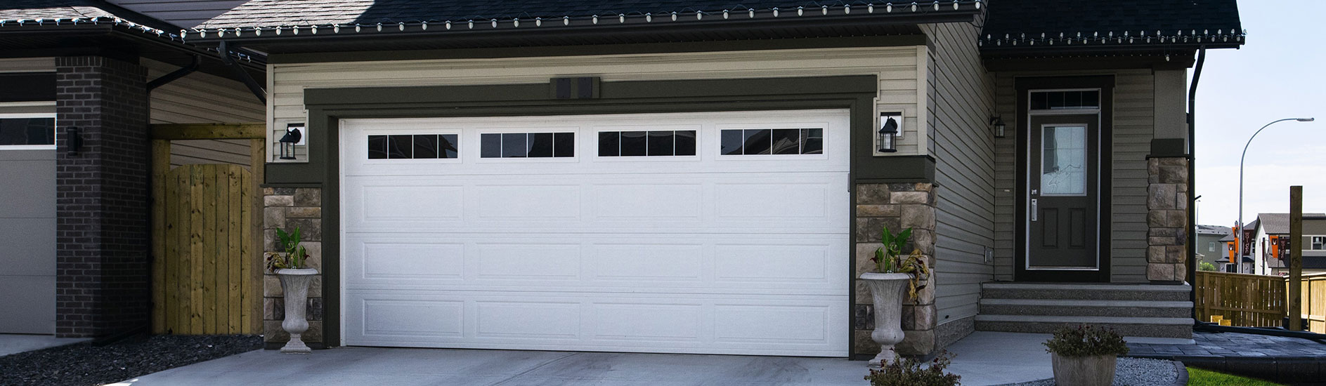 Contact us garage door repairs atherton tablelands for 16x7 garage door with windows